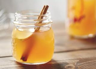 Cara menghilangkan bekas jerawat dan flek hitam dengan cuka apel dan madu