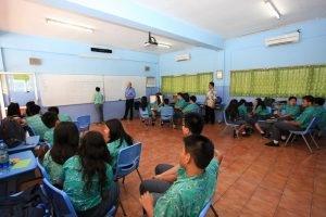 Apa yang Diajarkan oleh Guru Bahasa Indonesia di Sekolah?