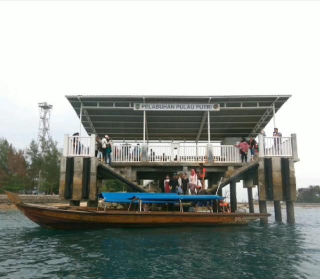 Dermaga Pulau Putri Nongsa