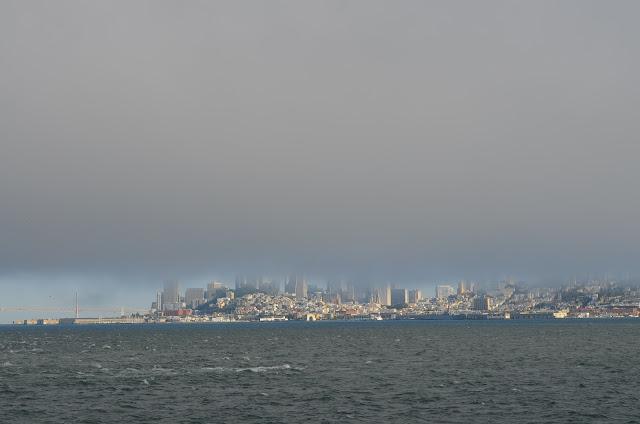 Vista de San Francisco do barco, a caminho da ilha.