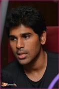 Allu Sirish at Red FM-thumbnail-13