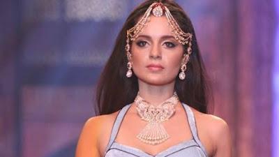 कंगना रनौत बनेंगी झांसी की रानी 'लक्ष्मीबाई'। इसके अलावा जल्दी ही विराट और धोनी के साथ विज्ञापन में भी आएंगी नज़र।