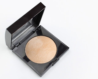 Laura Mercier Matte Radiance baked powder highlighter 01 highlight review swatch swatches