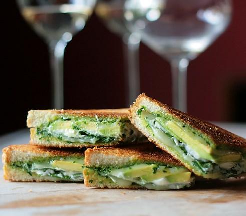 Green Goddess Grilled Cheese Sandwich #vegetarian #healthy