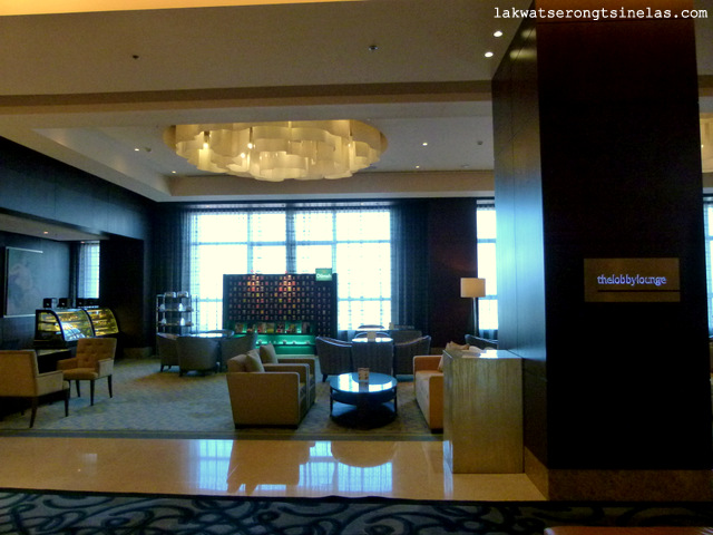 CRIMSON HOTEL FILINVEST CITY MANILA: GOING SOUTH ON A