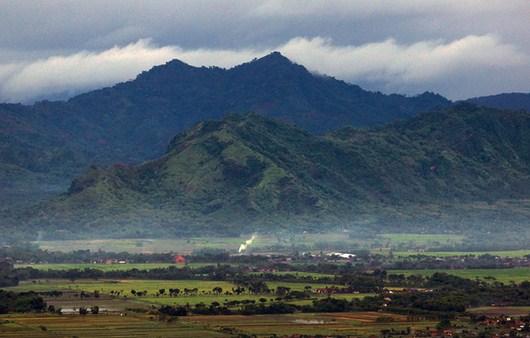 Hasil gambar untuk Gunung Budheg