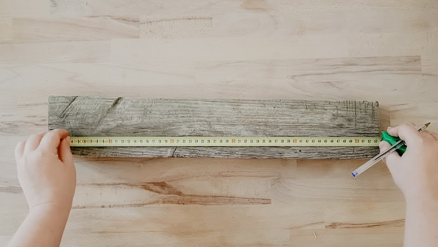 estanteria triangulo, estanteria para minerales, madera de palet, reciclar palet, muebles de palet