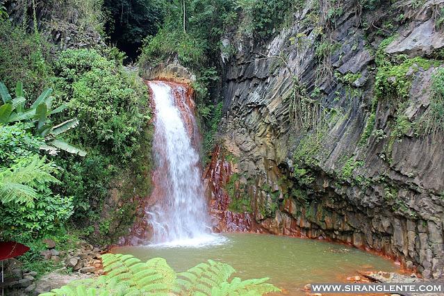 Pulang Bato Falls