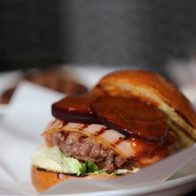 Hamburguesa australiana de Bacoa, hamburguesería de Madrid