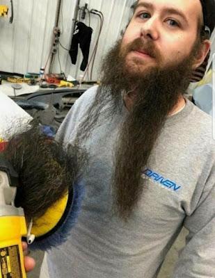 Lustiger Arbeitsunfall - Männer Bart abgerissen
