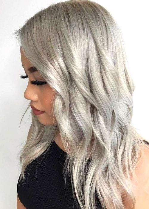 Flattering Hairstyles for Oval Face - Ash Blonde Medium Layered Hairstyle For Oval Face