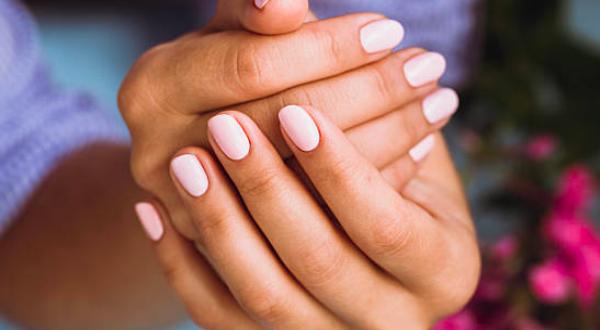 «Κόψτε τα μακριά νύχια» - Ειδικοί προειδοποιούν ότι μπορεί να φωλιάζει ο ιός από κάτω