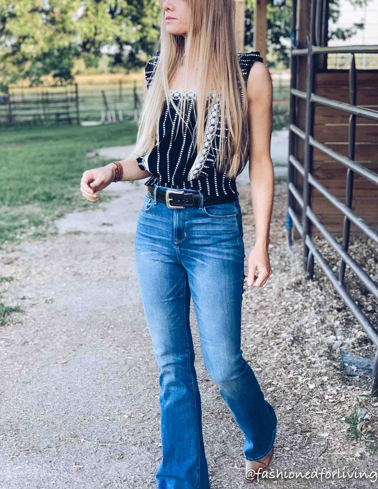 cute summer top with jeans and boots. cowgirl boots