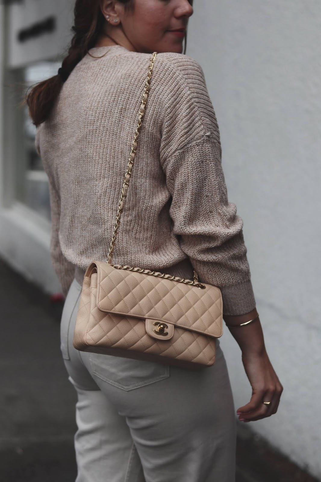 beige outfit thrills belle pant vancouver fashion blogger chanel beige claire medium flap outfi
