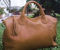 Logo Vinci gratis una elegante borsa personalizzata con le tue iniziali
