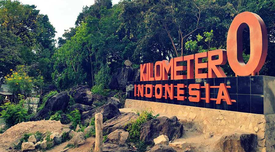 Tugu Nol Kilometer wisata INdonesia paling keren