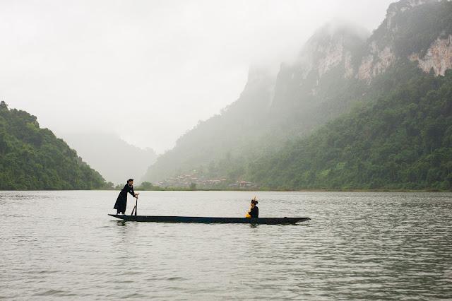 Hồ Ba Bể trong mưa