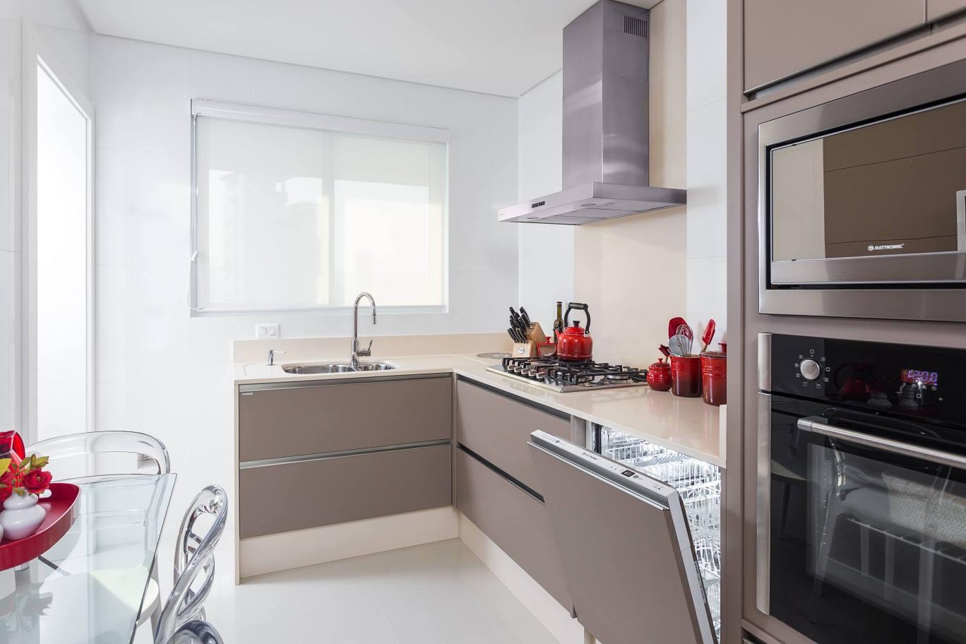 Construindo Minha Casa Clean Cor Fendi na decoração da cozinha  Tendência! # Cozinha Pequena Com Duas Cubas