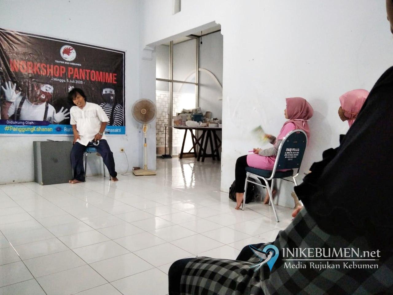 Didukung Program Panggung Kahanan, Teater Ego Adakan Workshop Pantomim