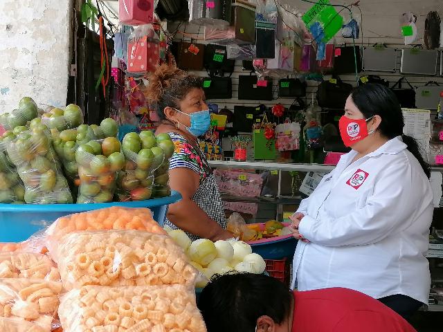 Locatarios del bazar Garcia Rejón cansados de gobiernos prepotentes: Ninive Zúñiga