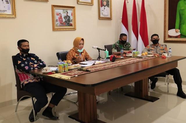 Bupati Tuba Hj. Winarti, SE., MH., Ikut Rakor dengan Gubernur Lampung Melalui Video Conference