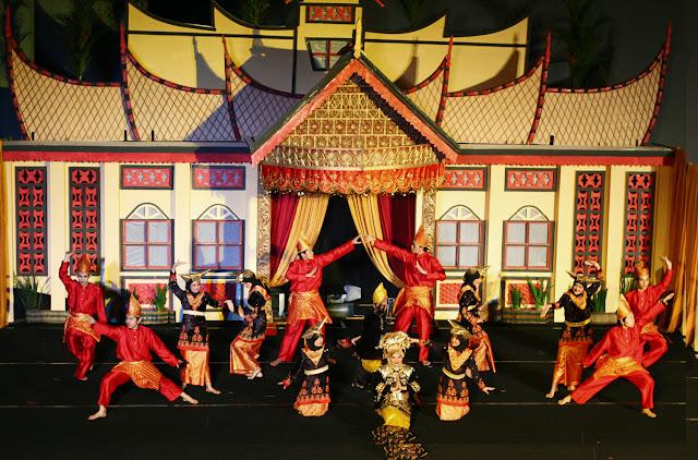Teater Tradisional Asli Indonesia