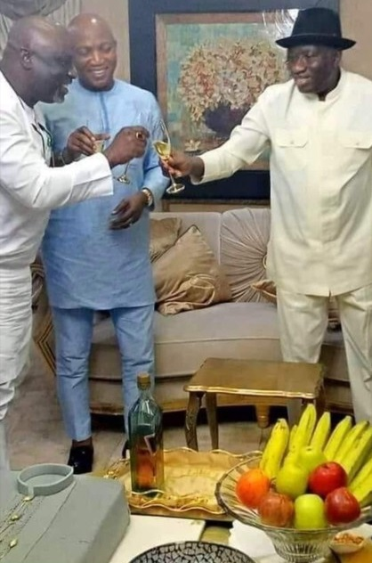 Jonathan And APC's Lyon Celebrate With A Bottle Of Red Label (Photo)