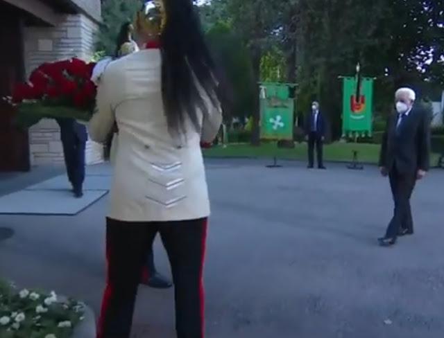 ايطاليا تكرم ضحايا فيروس كورونا بمدينة بيرجامو بجهة لومبارديا