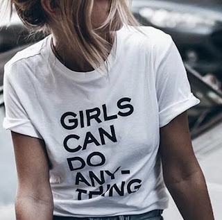 Camiseta Feminista Girls Can Do Anything
