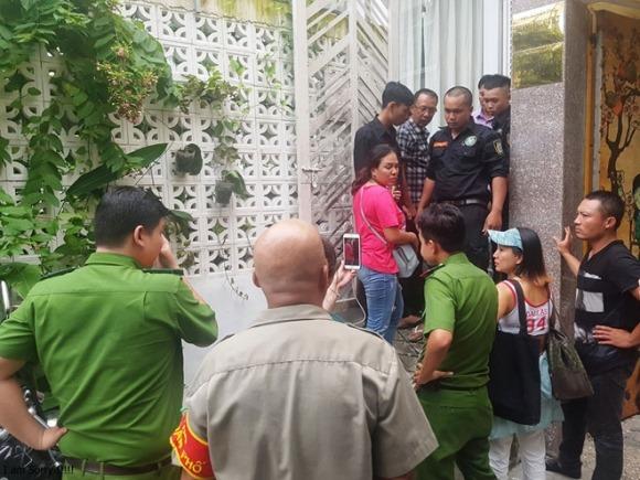 Thẩm phán, giảng viên bị tố xông vào nhà 'bắt' 3 đứa bé