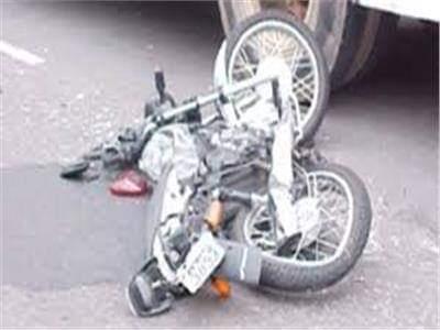 مصرع شخص وإصابة 2 أخرين إثر حادث انقلاب دراجة بخارية بسوهاج