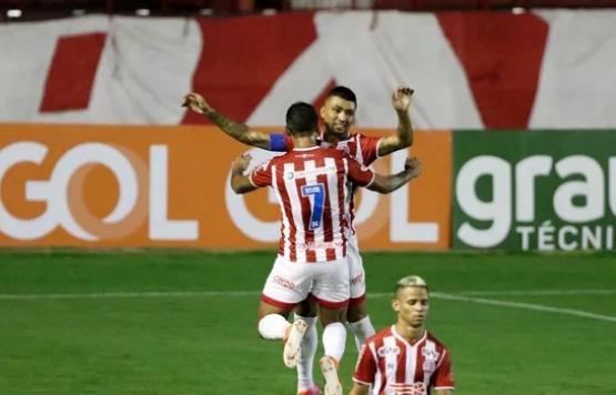 Soberano, Náutico vence o Vila Nova segue líder da Série B