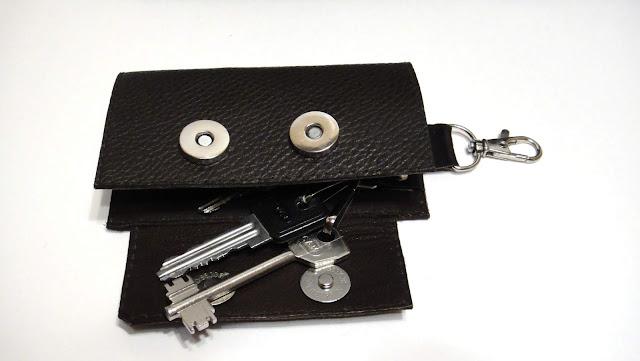 Мужская карманная ключница кожа - на пять ключей, застежка - магнитные кнопки