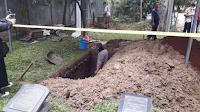 Suara Tahlil Bergemuruh di Pemakaman Syekh Ali