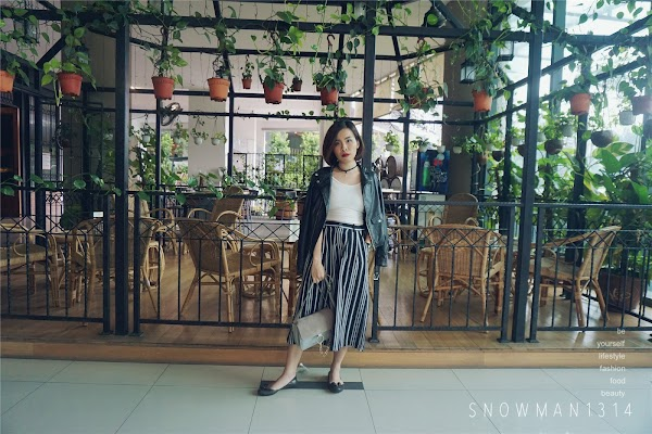 Monochrome x Stripes Weekend Outfit #27
