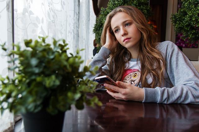 Penyebab Hp Android Lemot dan Cara Mengatasinya - MasBasyir.Com