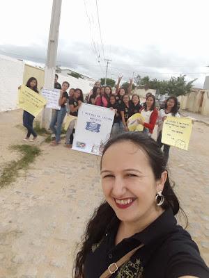 Professora de Barra de Stª Rosa e alunos criam projeto de Biblioteca Ambulante