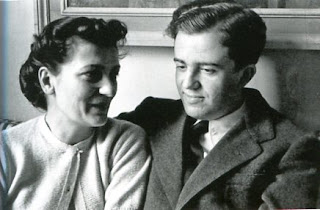 Cecchi D'Amico with her husband, Fedele, in 1943