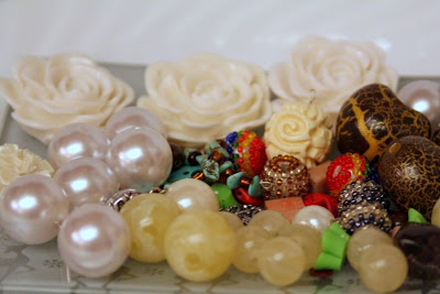Treasures: resin roses, glass pearls, cracked pain hearts :: All Pretty Things