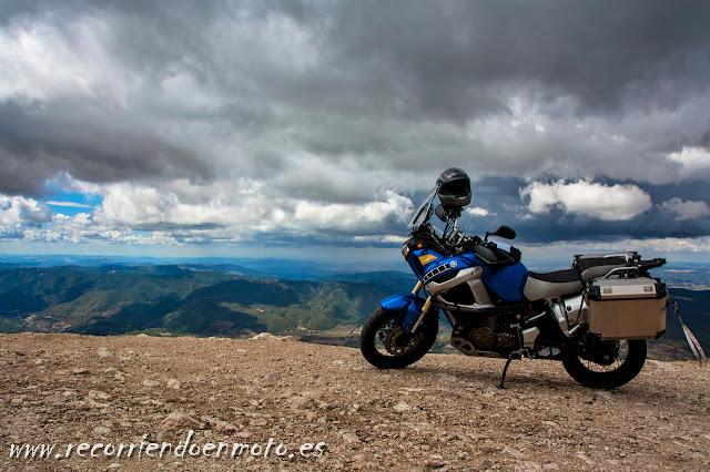 El Yelmo, tocando las nubes, Sierra de Cazorla