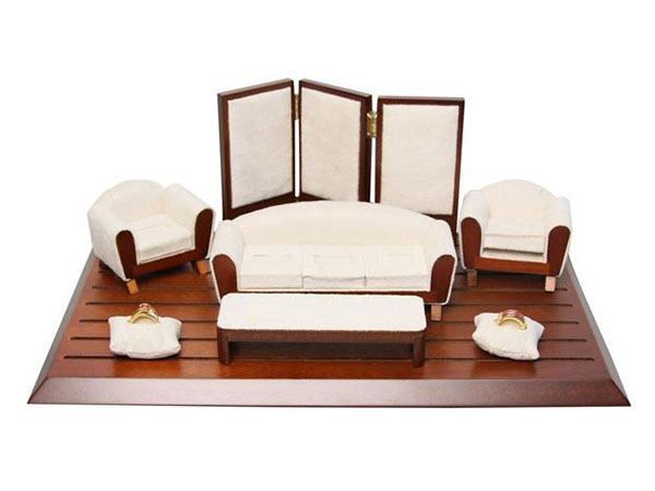 Purchase the Vintage and Wood Furniture Shaped Jewelry Display Set at NileCorp.com