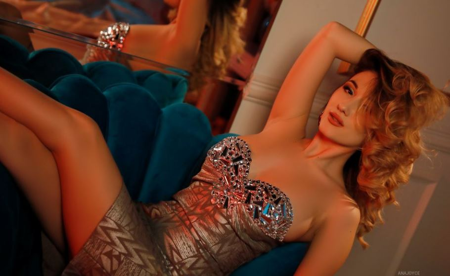 AnaJoyce Model GlamourCams