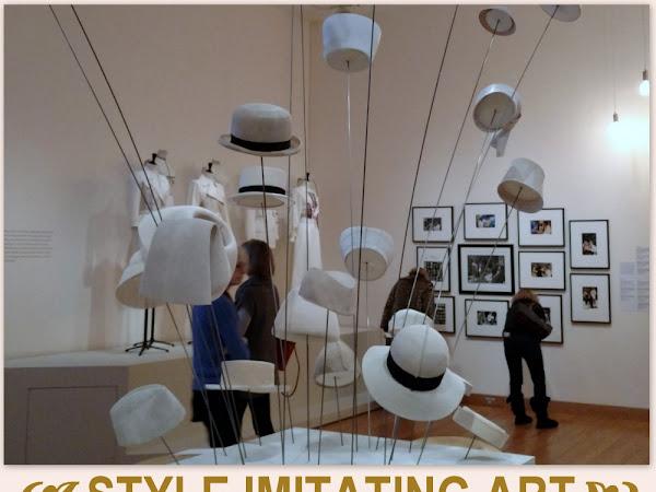 Style Imitating Art:  Inspiration~Damunt de tu només les flors