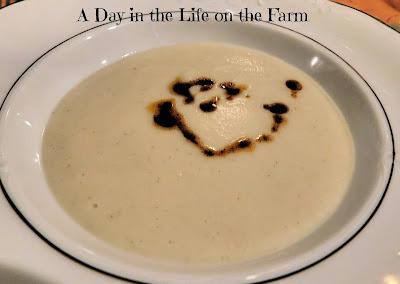 Creamy Cauliflower Soup with Paprika Oil