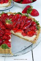 Tarta z truskawkami Fit (wege, bez glutenu i pieczenia)