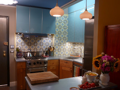 Romana Cement Tile Makes for Eye-Popping Backsplash