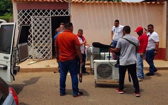 Madre y tres hijos se robaron todo en el Conservatorio del Zulia