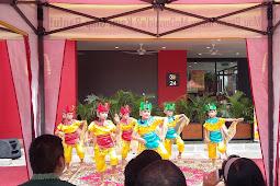 Pertunjukan Tari Tradisional SD Labschool Unnes Meriahkan Grand Opening Mc Donalds Pamularsih Semarang