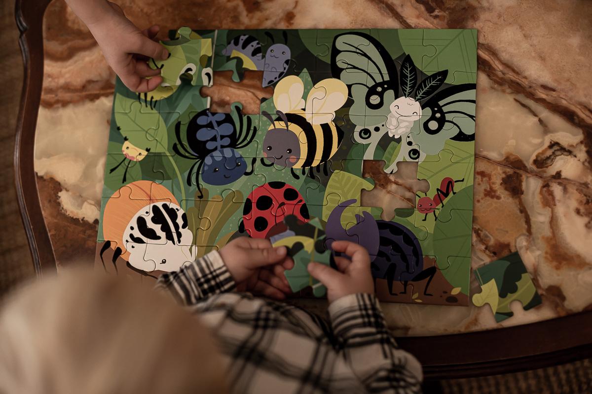 Puzzle sensoryczne z miękkimi aplikacjami Żuczki i robaczki