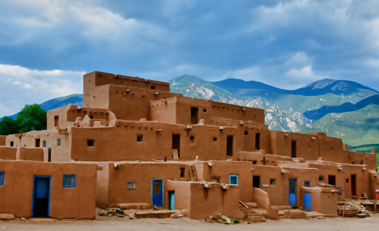 A Photographic Journey Taos Pueblo And Santa Fe New Mexico